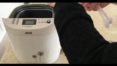 烘焙教程书_烘焙翻糖蛋糕的做法视频教程_蛋糕裱花教学视频简化版提拉米苏