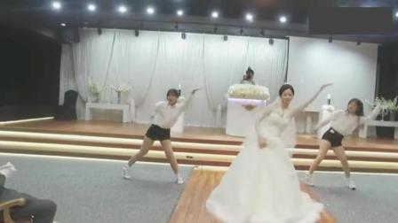 现在的婚礼就是嗨, 地表最强电音舞蹈秀, 新娘嗨翻全场!