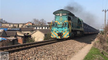 宁芜铁路下行集装箱货列通过雨山区佳山乡陶庄村