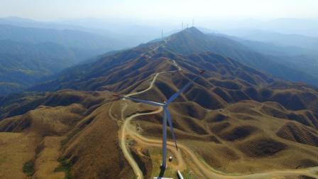 贵州省黔东南苗族侗族自治州黎平县永从乡陆背山风力发电风景