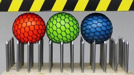 液压机vs抗压力球 如果加一排钉子会发生什么呢
