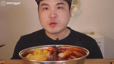韩国豪放派吃播: 大胃王胖哥ASMR吃辣炒年糕条