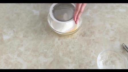 烘焙教程图片大全_烘焙视频用胡萝卜做胡萝卜蛋糕_蛋糕裱花教学视频浓郁香甜的自制奶油