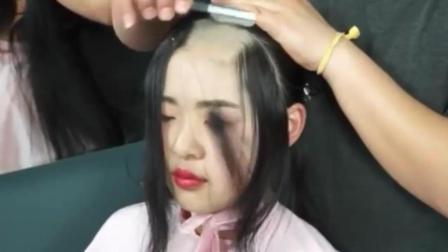 美女前女友失恋后, 把长发剃成光头, 瞬间我就被美到了