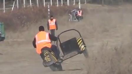 国外的三轮车表演大赛真是太精彩了,这样摔下来难道不疼吗?