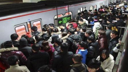 建一条地铁要120亿, 要运营多少年才能赚回来? 答案你万万想不到