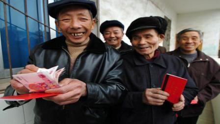 如果只买商业保险, 在退休后能养活自己吗? 答案你万万想不到
