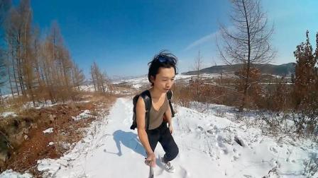 雪景: 小伙背包独自一人登雪山, 自拍视频