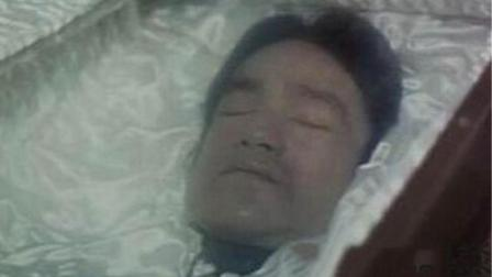 李小龙日服药物近百颗, 是突然死亡的罪魁祸首?