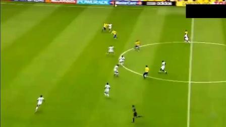 经典钟摆式! 罗纳尔多世界杯的最后一粒进球, 感动现场10万球迷!