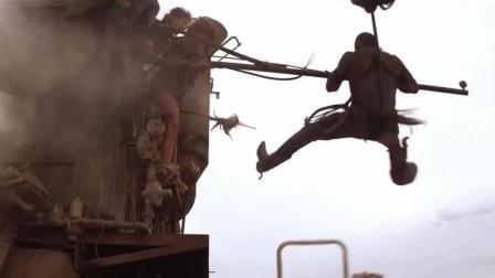 疯狂的麦克斯3(1985)精彩片段-火车追逐