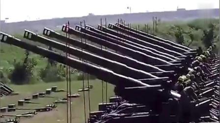 重型火炮齐射, 威力毁天灭地, 场面真是太激烈了!