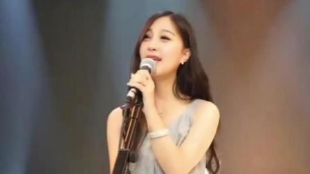 美女翻唱《爱拼才会赢》, 美女的正能量给你美的享受