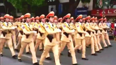 越南学解放军搞阅兵, 女兵正步分列式走的惨不忍睹!