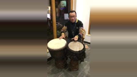 候耀华老师, 一把年纪还在学打鼓