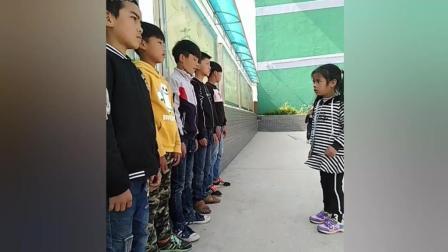 快手上跳社会摇的农村小学生, 看来还是作业太