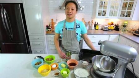 微波炉蛋糕的做法大全 烤箱戚风蛋糕的做法 蛋糕裱花制作技巧培训