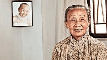 香港电影甘草演员, 身高仅1米42, 但她却是家里名副其实的顶梁柱#我有力量#