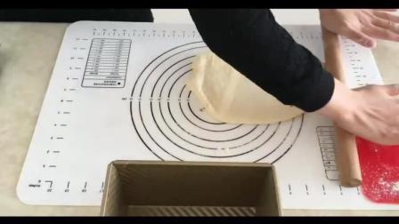 基础烘焙教程33烘焙视频免费教程外国13爆浆芝士面包制作视频教程