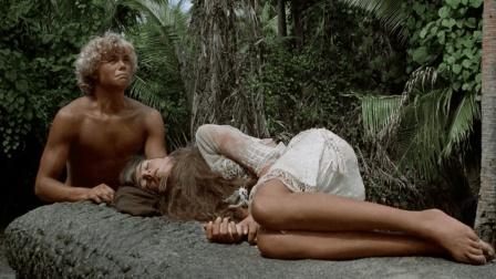 一男一女上演荒岛求生, 10多年后还生下个孩子, 救援来了都不愿走