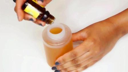 印度美妆达人分享DIY自制教程 适用油性痘痘肌的自制爽肤水