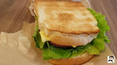 看看台北这家咖啡店的三明治怎么样? 原料新鲜, 味道确实不错