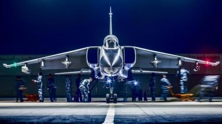 中国最强战斗轰炸机, 搭配两具劳斯莱斯发动机, 火力凶猛