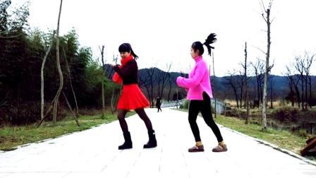 鬼步舞基础奔跑步练习 麦芽姐耐心教小美女