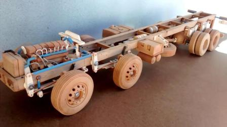 老外用木頭自制重卡底盤, 精致的挪不開眼, 啟動后更是羨慕不已!