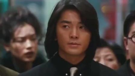 古惑仔东星老大带百名成员到洪兴闹事, 陈浩南只用一个电话摆平