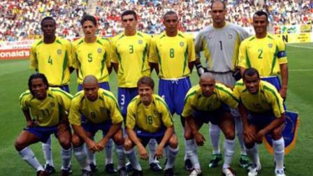 回顾02年世界杯巴西的夺冠之路, 国足: 我们尽力了, 是真防不住啊