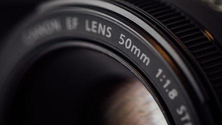 你真的需要一只50mm F1.8镜头~~
