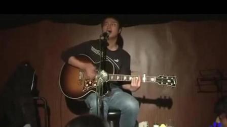 李志早期的巡演, 一把吉他的他显得很落寞嘛