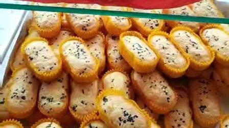 台湾拔丝蛋糕加盟, 刚烤好的一排排蛋糕, 香味飘的满街都是, 走过去的都想吃一个