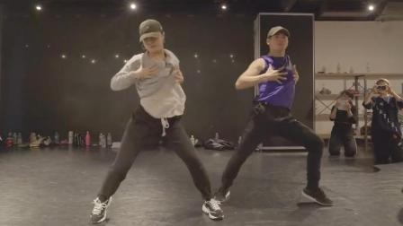 【UrbanDance.Cn】Akanen Miyoshi & Rikimaru 编舞《Top Off》 Urban Dance En Dance
