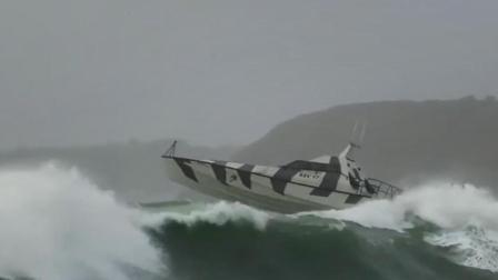 """爱尔兰""""不倒船"""", 可直面风浪, 一次能坐10个人!"""