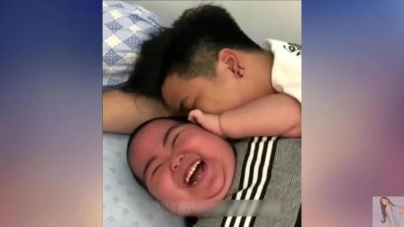外国人搞笑: 这个小孩不一般, 我好像恋爱了