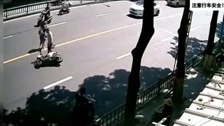 惨烈车祸视频, 超强车祸发生瞬间