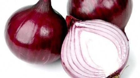 洋葱千万不能和这几种食物一起吃, 轻则中毒, 严重还会导致失明