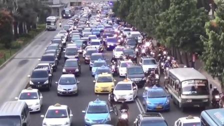 """保加利亚2300辆车堵了3.2公里, 打破最大规模""""塞车""""世界记录!"""