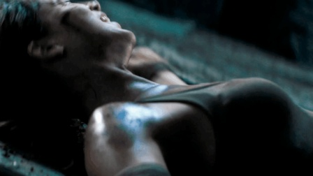 3分钟看完动作冒险片《古墓丽影》将女主身材的魅力发挥的淋漓尽致!