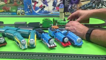 2018托马斯小火车玩具视频 多多岛百变轨道托马斯小火车 托马斯小火车和他的朋友们