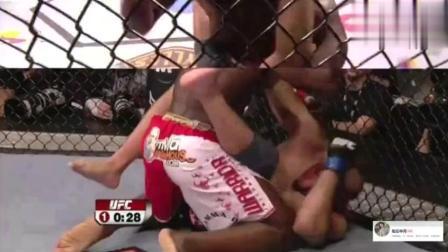 黑金刚怒火已攻心,UFC这是要什么样的仇恨才能把人打成这样