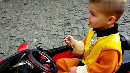 震惊, 爸爸的曼因重卡抛锚, 小屁孩驾驶兰博基尼去拖拽, 你一定没想到, 操作技术超厉害