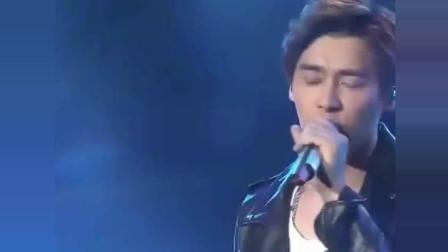 李易峰翻唱《我们的歌》, 开口给跪了, 这声音不当歌手太可惜!