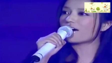赵薇再一次开口唱这首歌时, 我瞬间就泪流满面, 果断单曲循环!