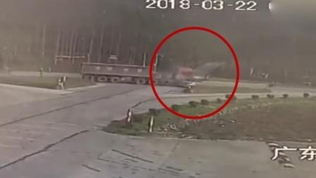 佛山重型牵引车猛撞面包车 致7死2伤
