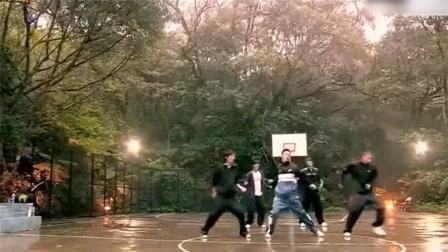 《篮球火》插曲《绝对无敌》