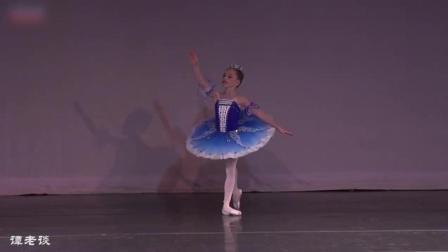 芭蕾舞《睡美人》蓝鸟变奏, 才九岁就上足尖了, 太可爱了