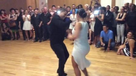 默契情侣将bachata舞跳的这么欢快轻盈!